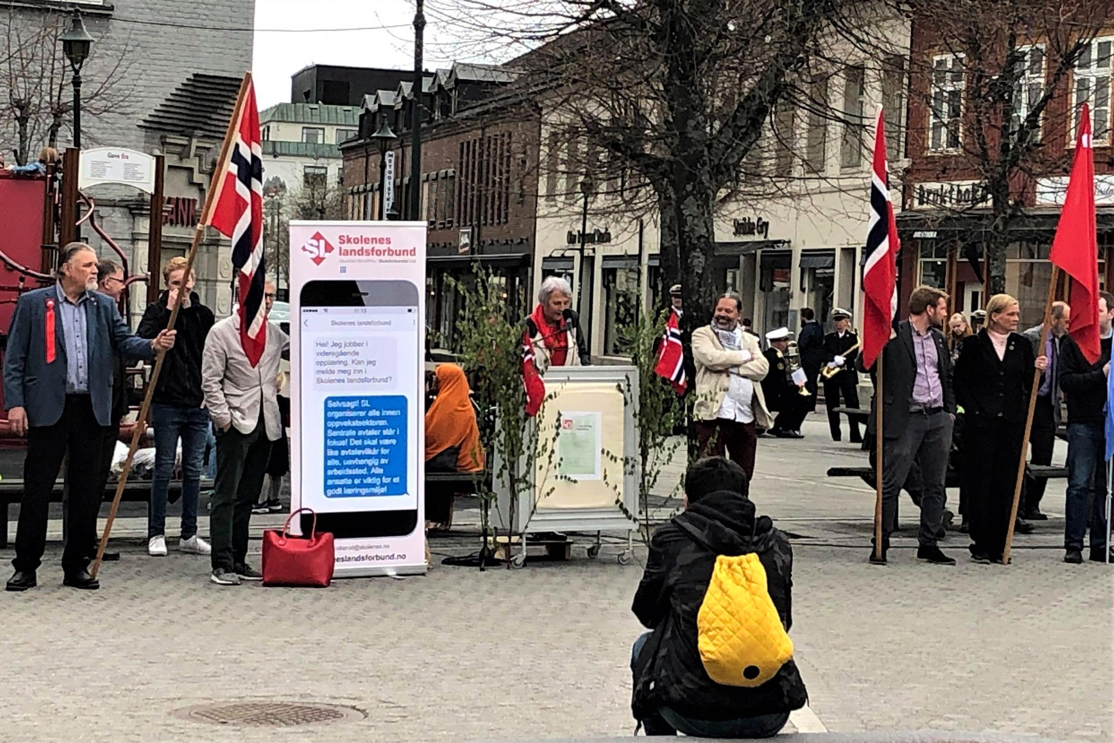 Forbundsleder Anne Finborud har hovedtaler i Hønefoss 1. mai. (Foto: Ståle Skjønhaug)